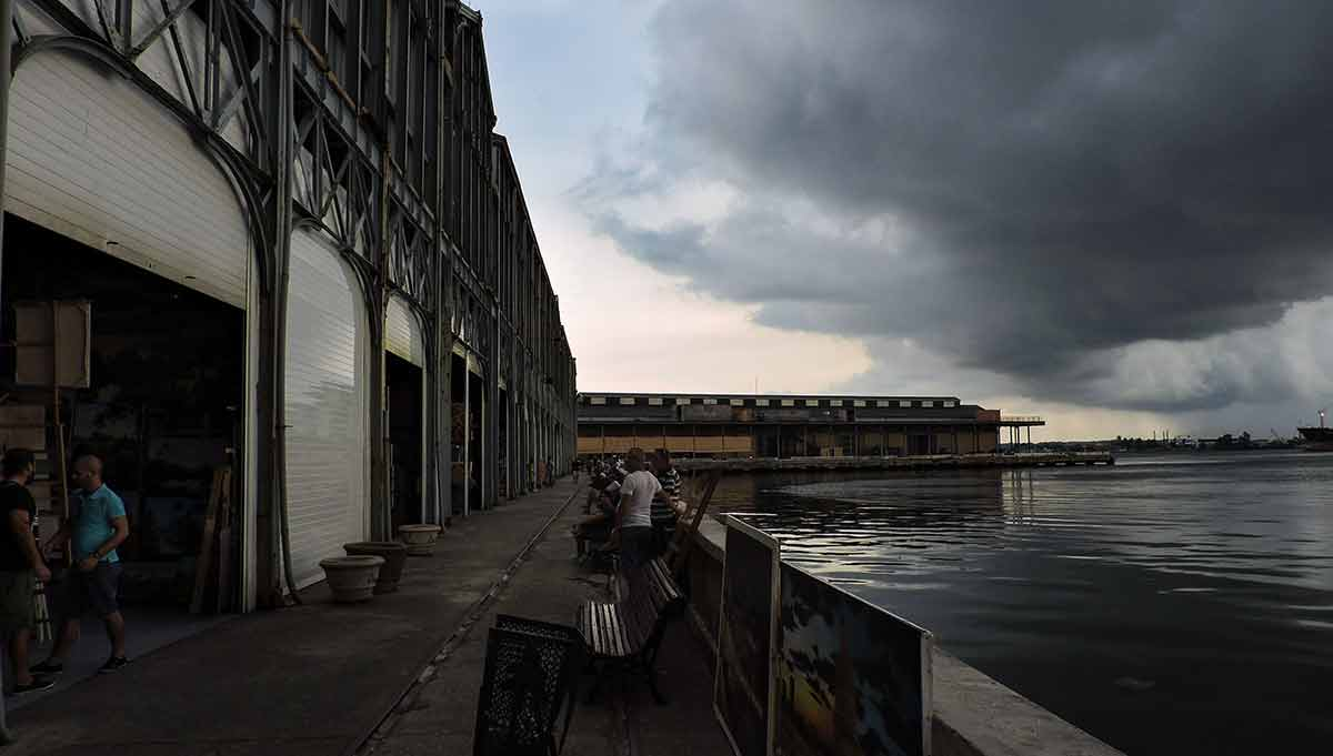The Alamacenes de José, an old warehouse full of souvenir booths at the Port of Havana. (photo by Bailey LeFever)